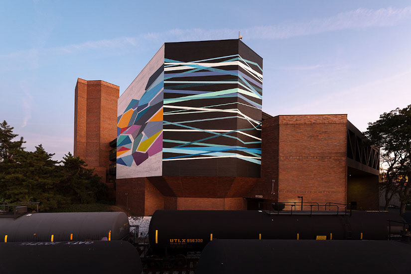 Convergence © 2019 City of Philadelphia Mural Arts Program / Rebecca Rutstein, 27th and South Street. Photo by Steve Weinik.