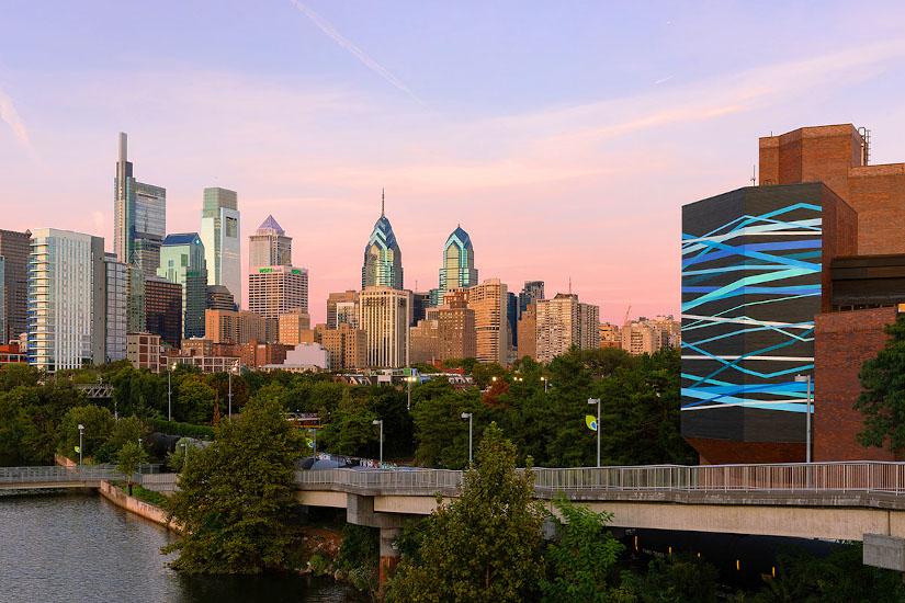 Convergence © 2019 City of Philadelphia Mural Arts Program / Rebecca Rutstein, 27th and South Street. Photo by Steve Weinik.